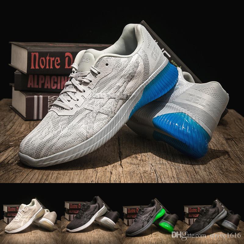 930e06d119 Großhandel 2019 Asics Gel KENUN Designer Herren Laufschuhe Beste Qualität  Dunkelgrau Herren Sportkissen Sneaker Designer Schuhe Größe 40 45 Von  Strive1616, ...