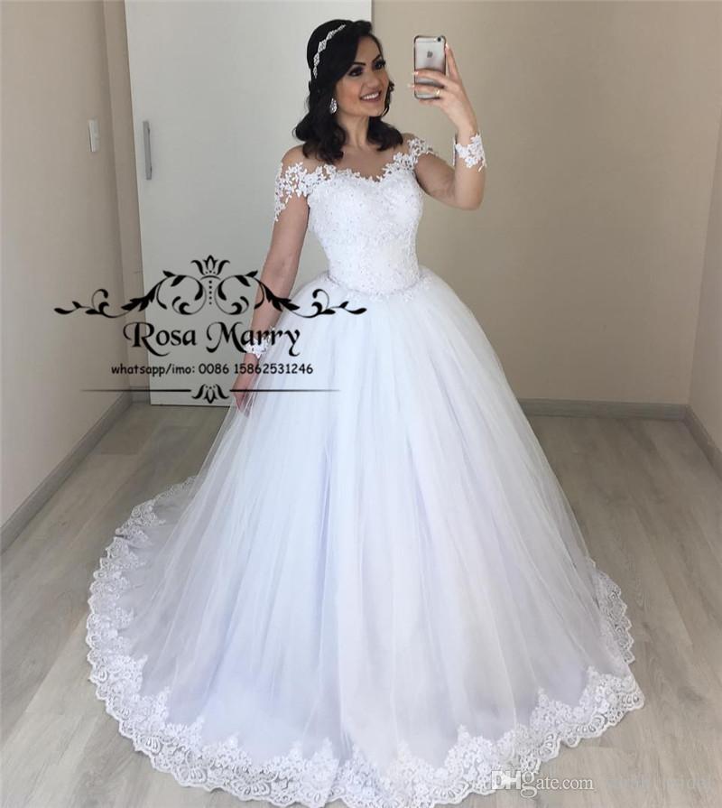 7045649747cd Acquista Principessa Ball Gown Pizzo Abiti Da Sposa 2019 Maniche Lunghe  Plus Size Puffy Tulle Bianco Victoria Musulmano Vestido De Novia Abiti Da  Sposa A ...