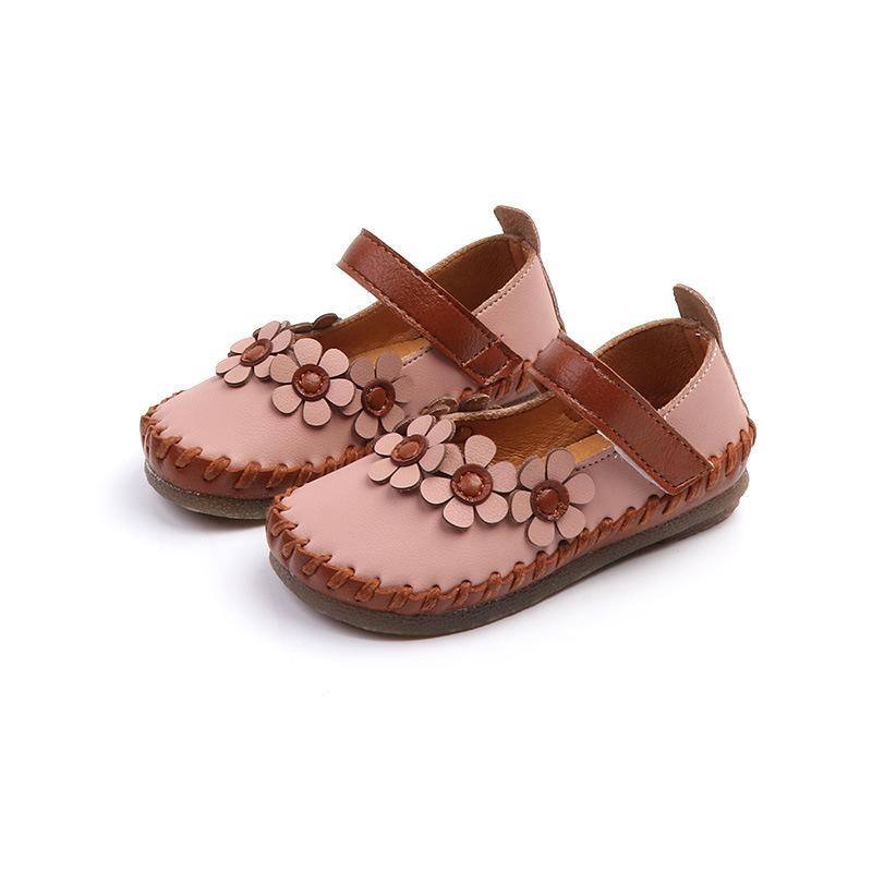 8ca9b2269af33 2018 Autumn New Children S Shoes Othe Small Flowers Girls Shoes 1 5 Years  Old Baby Shoes Toddler Leather Slippers Ladies Leather Shoes From  Linshop809274