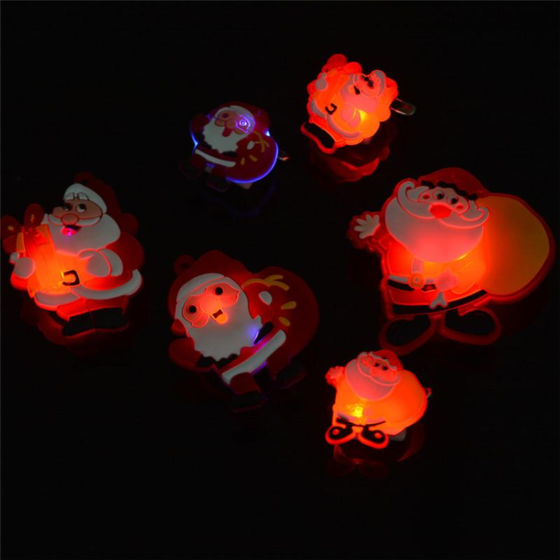Luces LED de Navidad Broches Brillantes de Santa Claus de Dibujos Animados Para Hombres Mujeres Muestra de la Ropa Decoración Del Partido Regalos Decorativos Broches