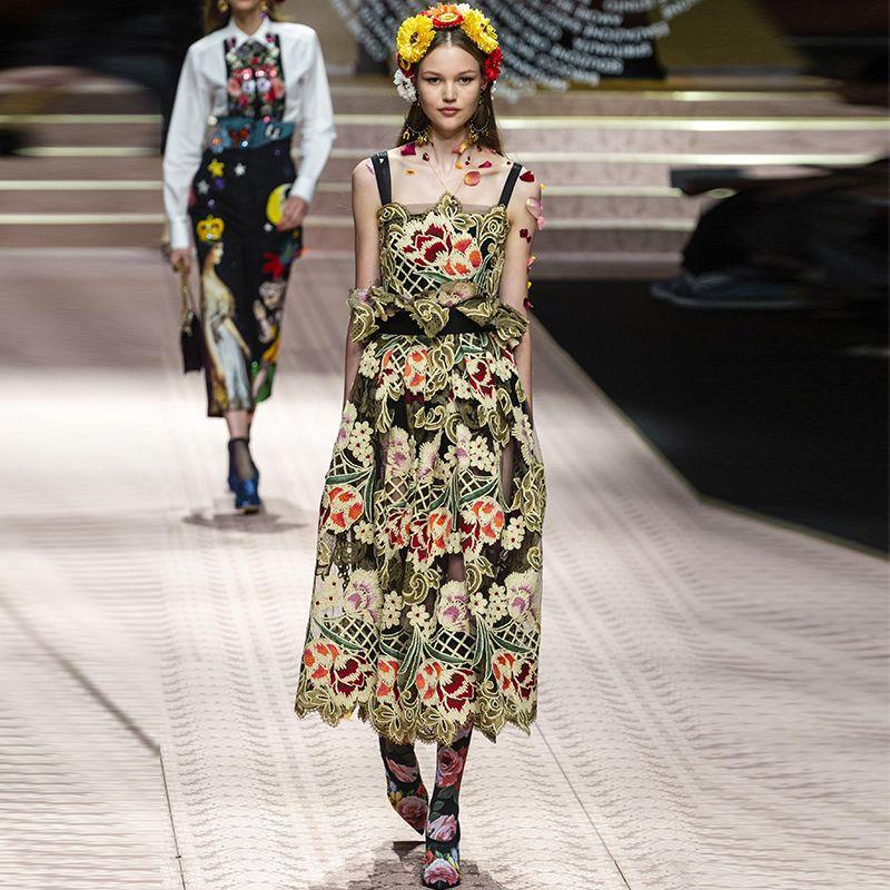 bb88021d595f12 Großhandel Phantasie 2019 Sommer Mode Marke Designer Kleid Ärmelloses  Stickerei Laufsteg Frauen Kleidung Gute Qualität Cocktailkleid G8379 Von  Jackhhh, ...