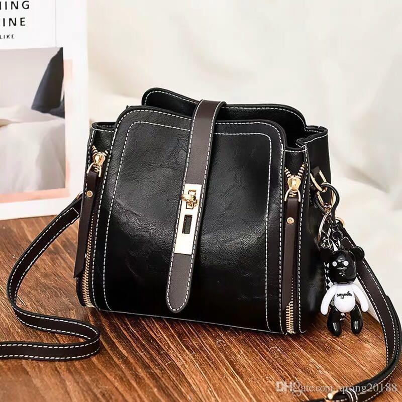 d092e5ee25e 2019 Women Messenger Bag Classic Style Fashion Bags Women Bag ...