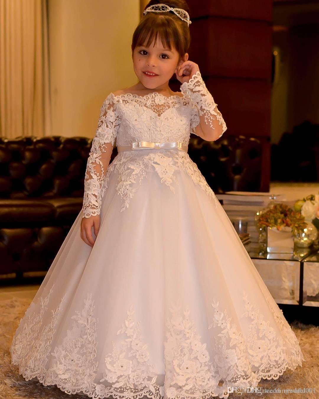 New Off Shoulder Long Sleeves Flower Girls Dresses With Sash Princess Lace Appliques Tulle Girls Pageant Dresses Backless Gown for Wedding