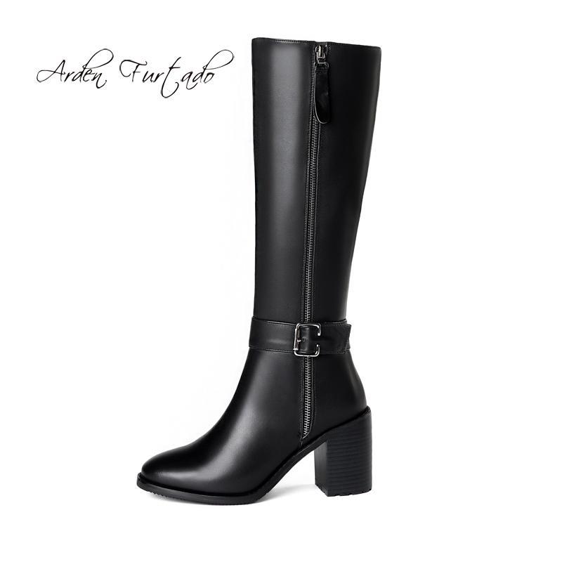 8bd46e47e Compre Sapatos De Moda Feminina No Inverno 2019 Apontou Toe Saltos Grossos  Zíper Sexy Senhoras Elegantes Botas De Cano Alto Do Joelho De Couro Preto  De ...