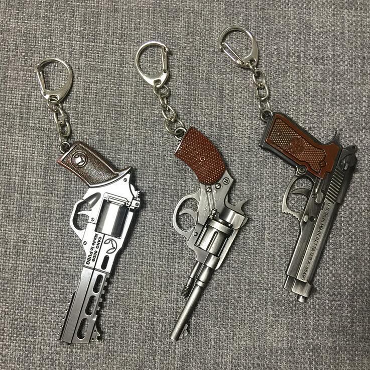 Handgun Keychains - Men's Game Gun Model Collection Pistol Key Chain Ring Revolver Souvenir Men Boy Gift Women Bag Charm