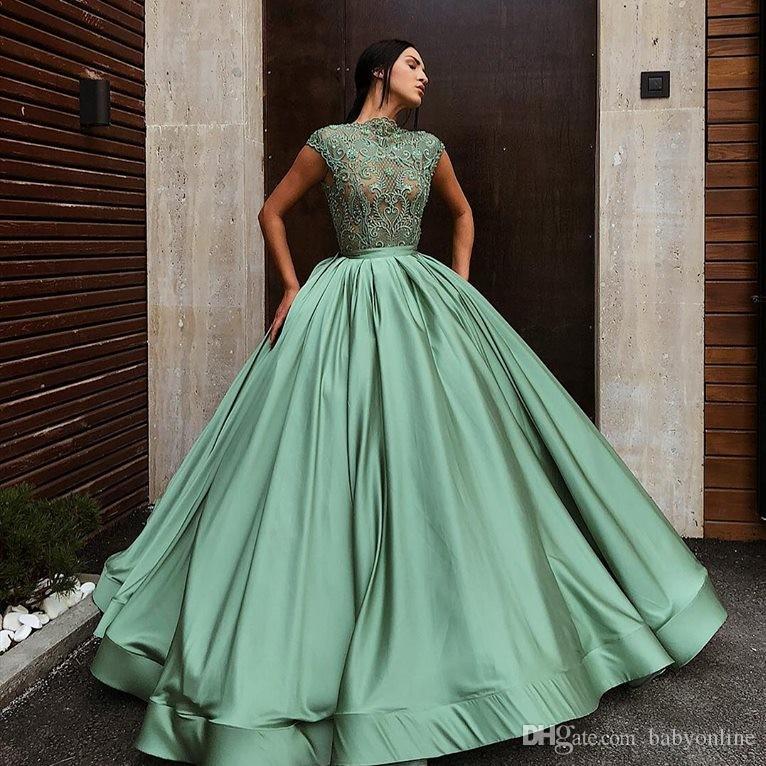 34b34ae7881 Acheter 2019 Océan Vert Quinceanera Robes Princesse Robe De Bal Manches  Douces 16 Satin Volants Appliques Longues Robe De Bal Robes De Soirée De   140.79 Du ...