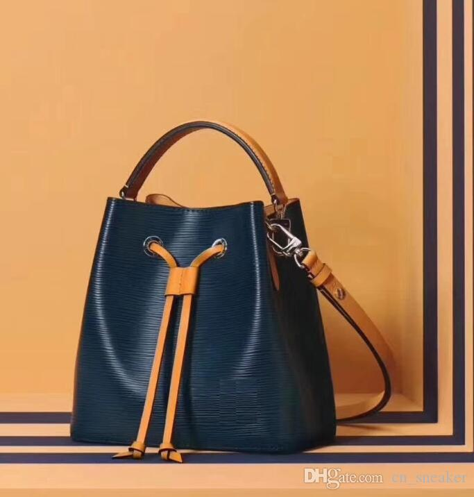 56bc2dd431adf Großhandel Womens Berühmte Marken Designer Mode Handtaschen Crossbody  Handtasche TWIST NEONOE Umhängetaschen Noé Leder Eimer Tasche Billig Clutch  Cross Von ...
