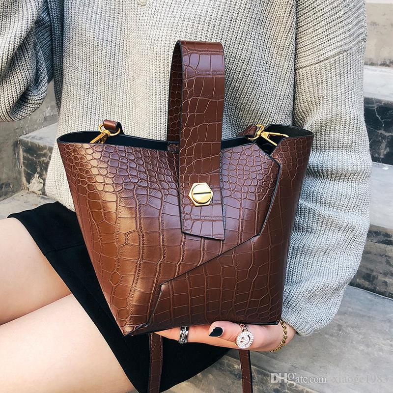 Crocodile Pattern Bucket Bags For Women 2018 Female PU Leather Small Crossbody  Bags Ladies New Handbags And Purse Womens Bags Black Handbag From  Xiaoge1983 00d374199efe6