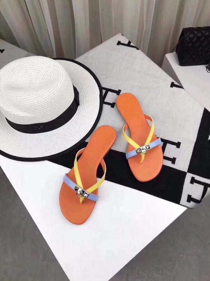 Luxury Classic 2019 New Summer Ladies Leather Slippers Beach Shoes Designer Brands Top Production Candy Color Flip Flops 25241