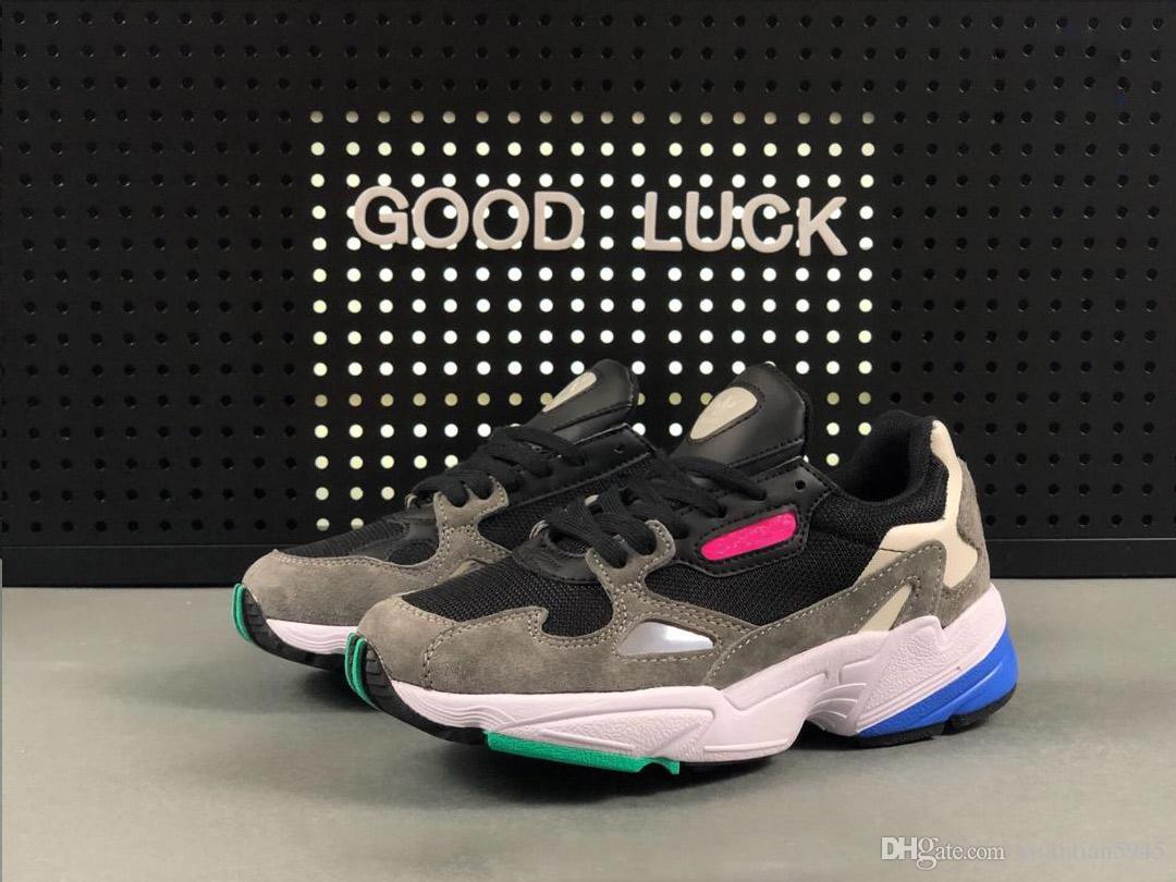 low priced 2b5fb 7e702 Compre ADIDAS FALCON W Running Shoes 2019 NUEVOS Zapatos De Hombre Y Mujer  FALCON W De Alta Calidad, Zapatos Casuales De Moda, Zapatos Euro 36 44 A   37.57 ...
