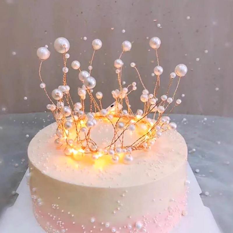 Brillant Main Perle Princesse Couronne Coiffe Cake Topper Mariage Mariee Et Le Marie Joyeux Anniversaire Chapeau Decoration De Gateau