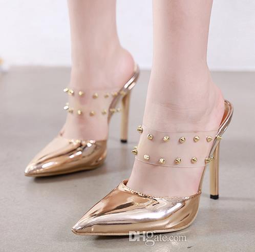 Şık Şeffaf Şeffaf PVC Kayış Perçin Sivri Burun Stiletto Topuklar Lüks Tasarımcı Ayakkabı Altın Siyah Boyut 35 40 To