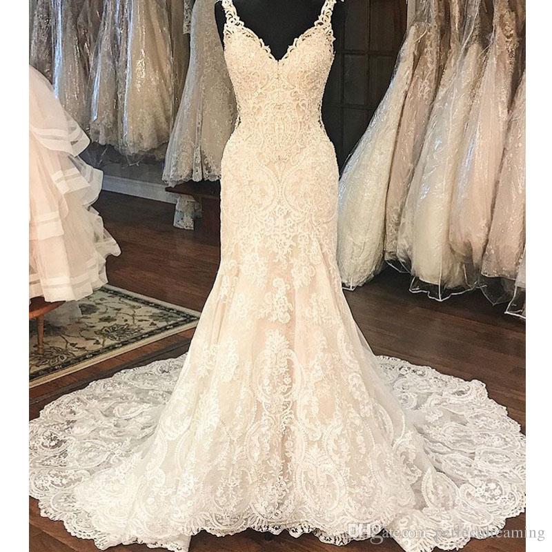 a77a1ddca Modelo Vestido Noiva Apliques De Renda Com Decote Em V Vestidos De Casamento  Estilo Sereia Frisado Vestido De Casamento Spaghetti Straps Vestido De Noiva  ...