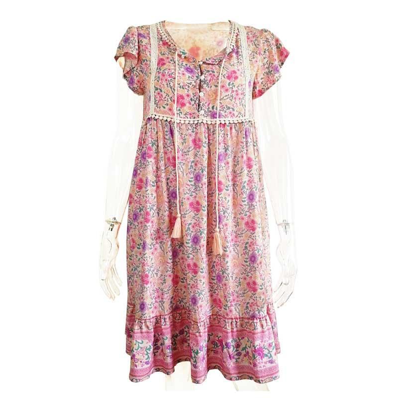 c9d77ce90d14 Vestido boho para mujer rosa floral con cuello en V manga corta elegante  2019 Primavera Verano vestido de encaje atado borde de encaje plisado ...