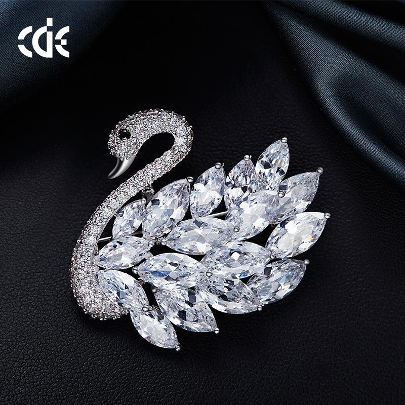 New Swan Brooch in Swarovski Crystal