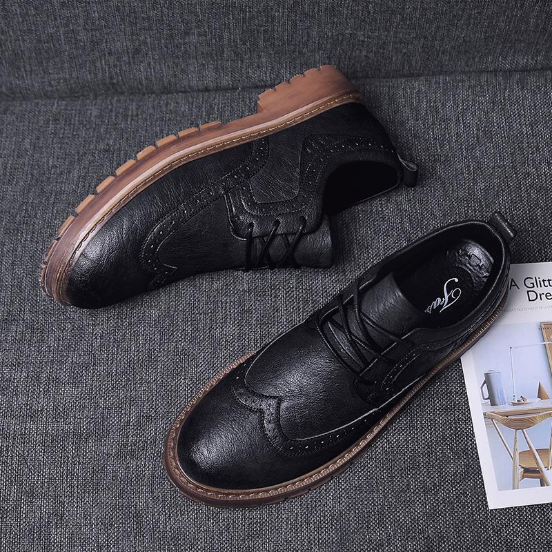 522da6ea8f2 Herfst Nieuwe Mannen Martens Schoenen Brogue Casual Echt Lederen Werken  Business Sneakers Leather Shoes Dress Shoes For Men From F6241163, $27.38|  DHgate.