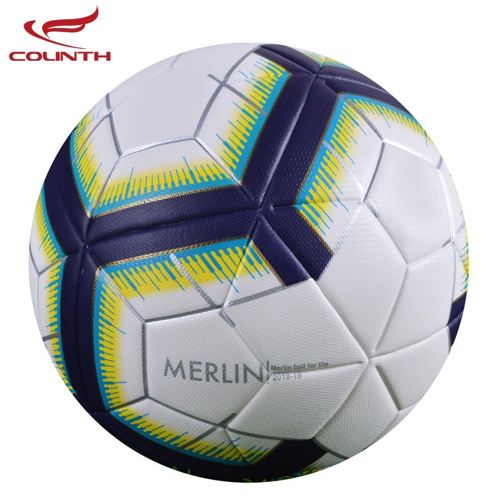 Compre 2018 Premier Soccer Ball Tamaño Oficial 5 Fútbol PU Goal League  Pelota De Entrenamiento Al Aire Libre Partido Regalo Personalizado Futbol  Voetbal ... 6d257d9d9d0bf