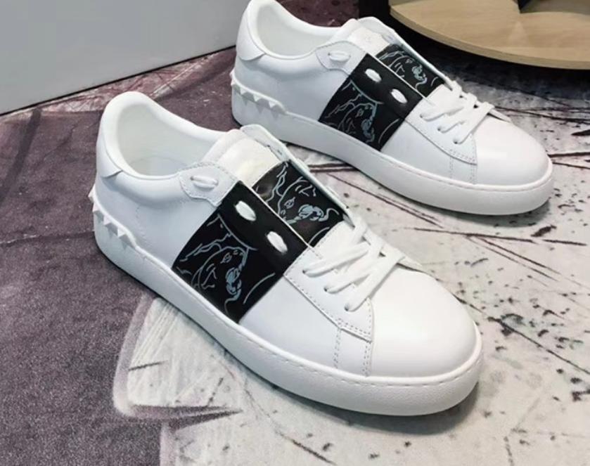 42014db2a67 Compre 2018 Moda Feminina Mens Designer De Calçados Casuais Tênis De Marca  De Luxo Designer De Retalhos De Couro Na Moda Sapato Tênis 39 De  Happyshoes6