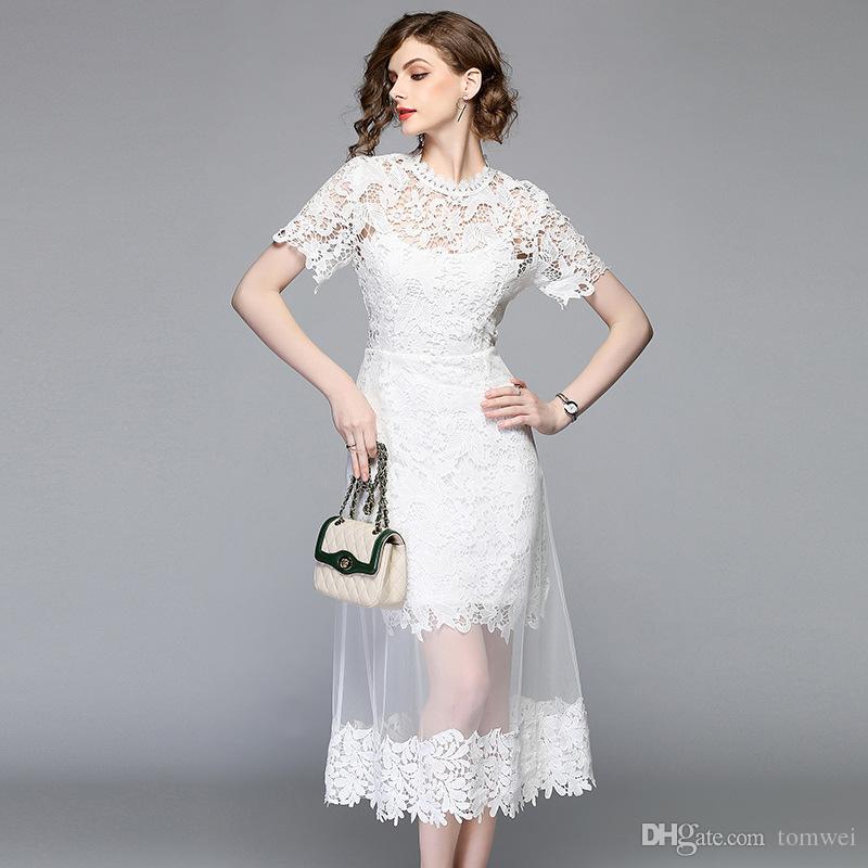 fb5b18d2d Compre Vestido Largo De Encaje Blanco Para Mujer Vestido Ajustado De Verano  Nuevo Estilo A Costura De Encaje Vestido De Malla Nueva Moda 2019 A  33.17  Del ...