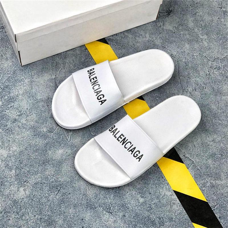 Classic fashion men and women slippers black and white high quality PU material soft bottom summer beach sandals
