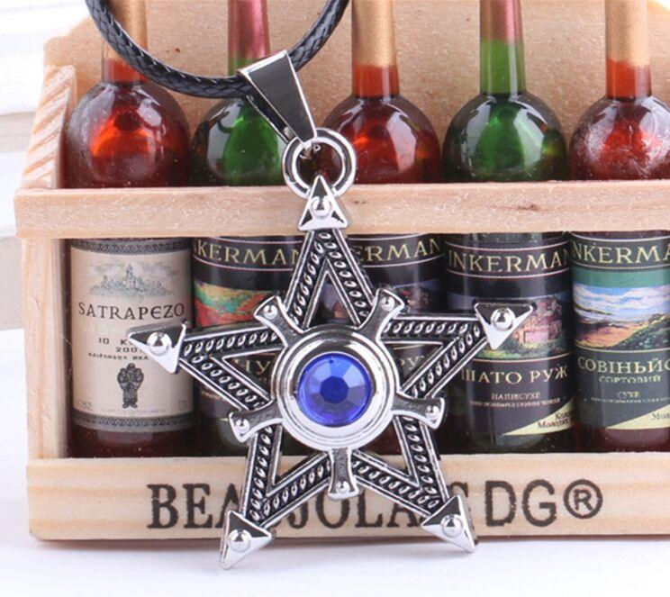 Anime Jewelry Black Rock Shooter Pentacle Necklace Jewelry Blue Star Magic Cruz Colgante Hombres Vintage Collar de Cadena de Cuerda