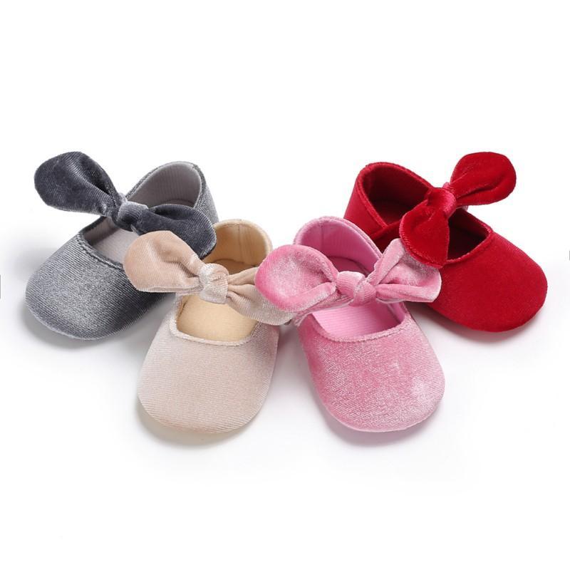 45aaffc431 Compre Bebê Menina Sapatos Infantis Macio Sole Flor Bowborn Sapatos  Primeiros Caminhantes Bowknot Criança Prewalker 0 18 M De Ferdimand