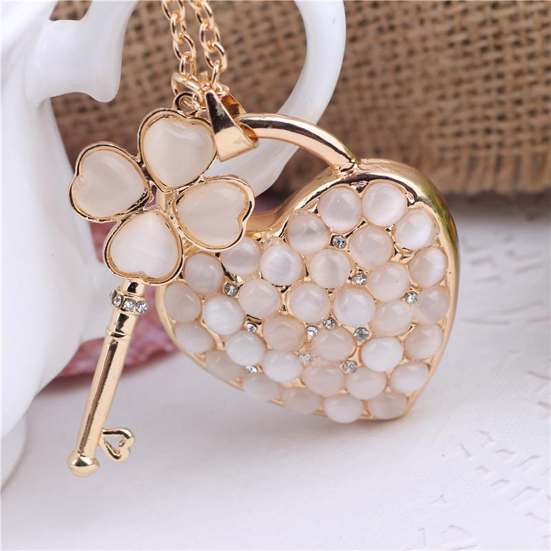 Crystal Rhinestone Alloy Keychain For Women Handbag Lovely Heart Shaped Rhinestone Key Ring Car Key Holder Chaveiro