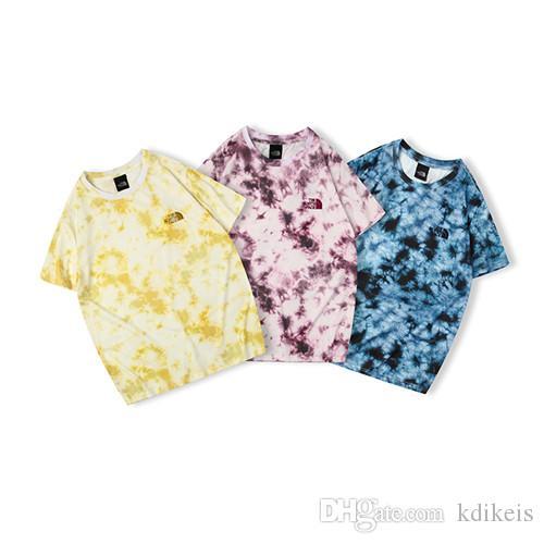 39b5295baa126 Acheter 2019 THE Japan NORTH T Shirt Tendance FACEDigital Tie Dye Classique  Petite Etiquette Manches Courtes Violet Bleu Jaune M L XL XXL De $58.89 Du  ...