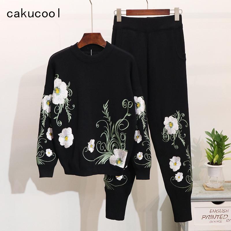 a4c2492d4d Compre Cakucool Nuevos Conjuntos De Ropa De Tejer Mujeres Invierno 3D Floral  Jumpers Pantalones Delgados Moda De Invierno Moda Chándales Conjuntos  Feminino ...