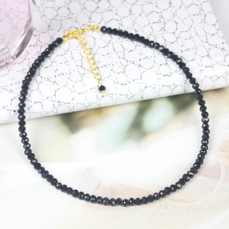 0bbbb824d26b Compre Moda Negro Blanco Collar De Perlas De Cristal Para Las Mujeres Spar  Beads Collar Corto Gargantilla Color Oro Cadena De Clavícula Chocker A   33.45 Del ...