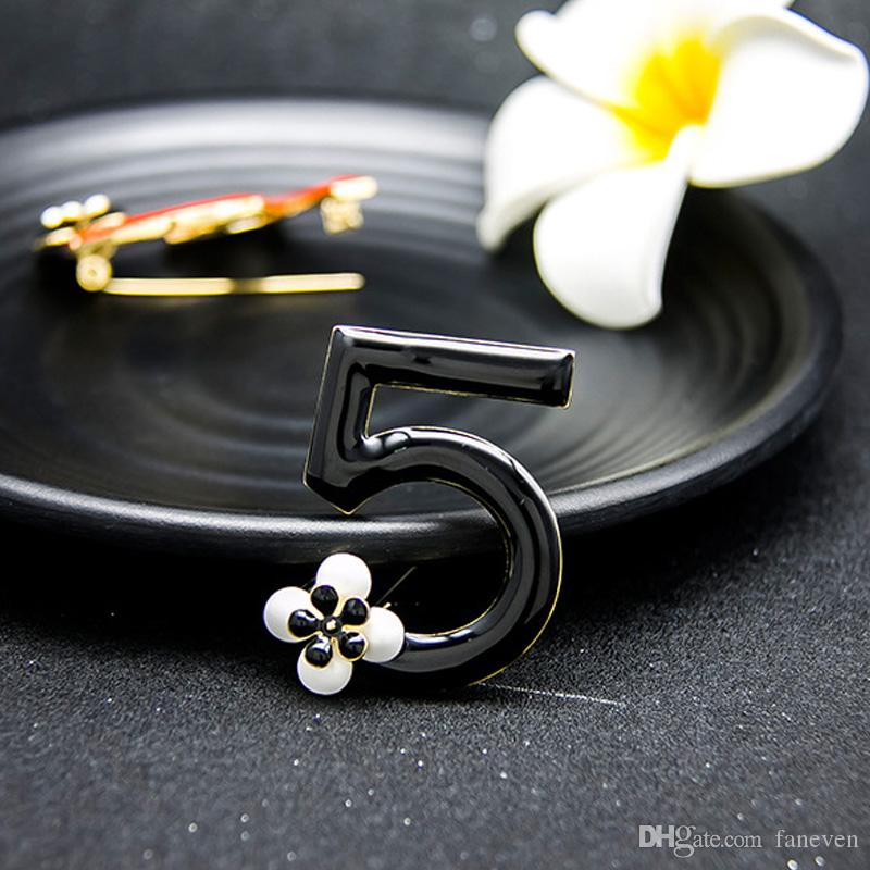 Fashion Luxury Charm Infinity letters brooches Flower scarf buckle rhinestone brooch