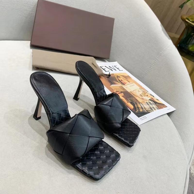 Squared Sole Kadınlar Terlik Seksi Plaj Slaytlar Sandal İki Topuklar Düz ayakkabı Yumuşak Leathe EU42 ile Seksi Bayanlar Lido Sandalet Dokuma Deri Katır