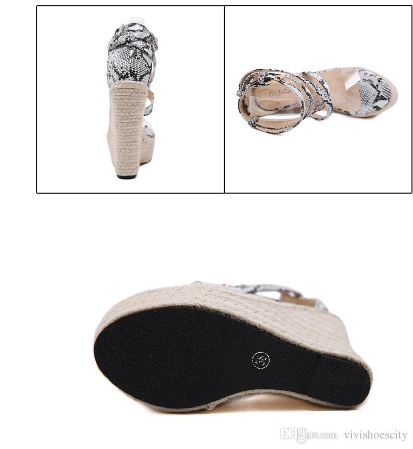 روما نمط عبر strappy الطباعة الحيوانية القش الأحذية منصة المنسوجة الصنادل إسفين مصمم أزياء النساء الفاخرة تأتي مع حجم صندوق 35-40