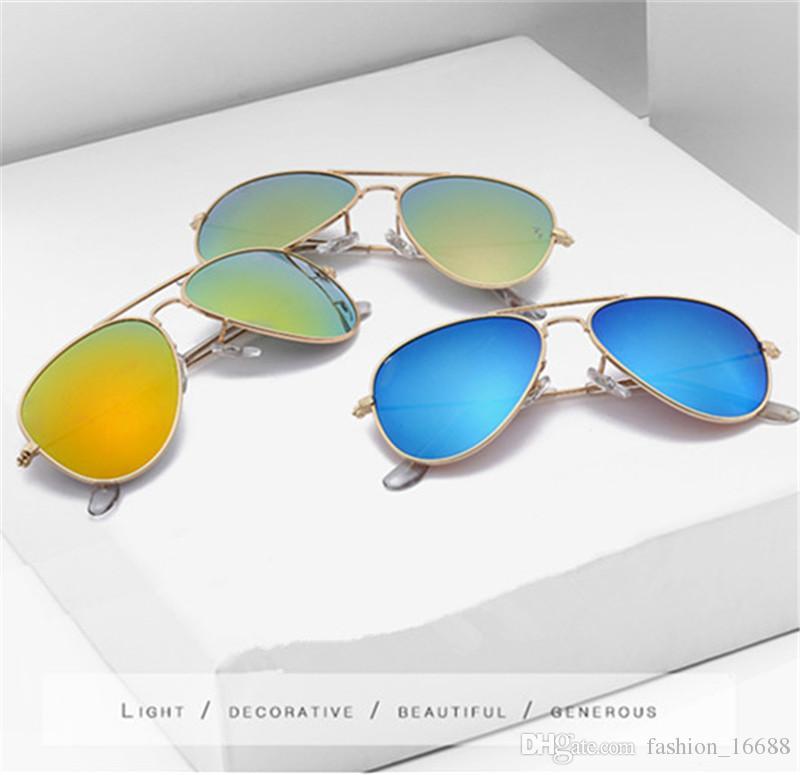 e81080efa8 Compre Nuevas Gafas De Sol De Moda Ray Para Hombres Mujeres Con Montura  Metálica Espejo Polaroid Lentes Prohibidas Al Conductor Gafas De Sol Con  Estuches ...