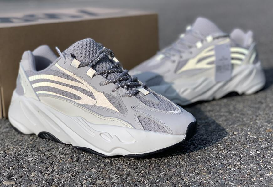 best sneakers b152e f28fa 2018 700 static fish skin 700 Wave runner men women running shoes designer  sneakers with box mix 12 colors size 36-45