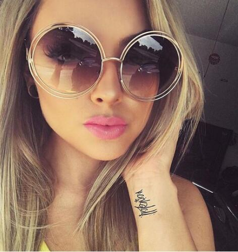 c2b67fdaf Compre Rodada Do Vintage Tamanho Grande Oversized Lens Espelho Óculos De Sol  Das Mulheres Designer De Marca Armação De Metal Senhora Óculos De Sol  Senhora ...