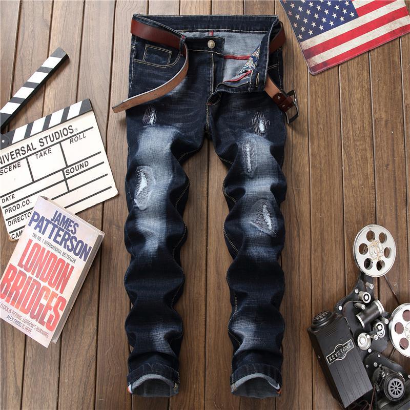 7719d76cb Compre Buraco Masculino Emblema Estilo Bordado Calças Jeans Calças 2018 Moda  Masculina Casual Patch Jeans Dropshipping C19040302 De Shen8408, ...