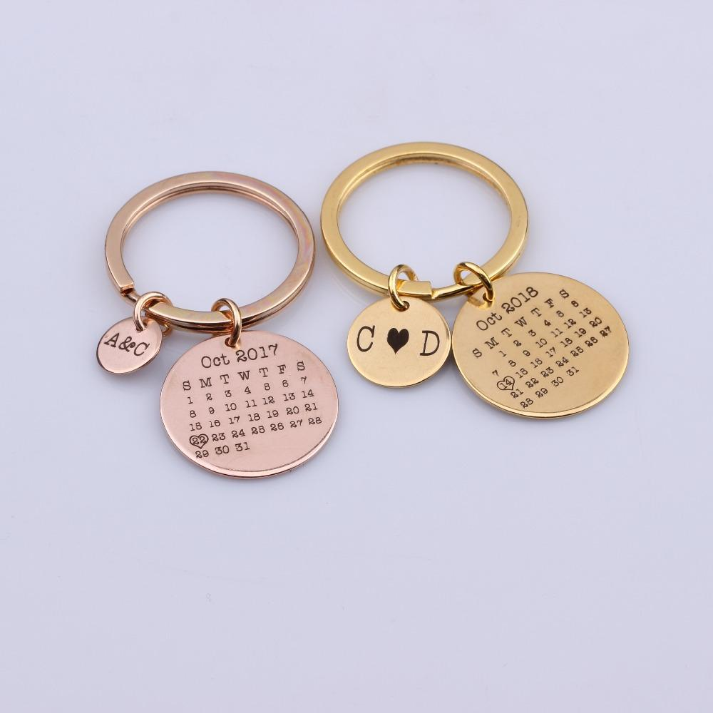 ac3b8a4d5965 Name And Date Customized Key Chain Gifts For Couples Lover S Keyring Key  Bag Car Driver Special Days Anniversary Wedding Day Car Leather Key Ring  Unique ...