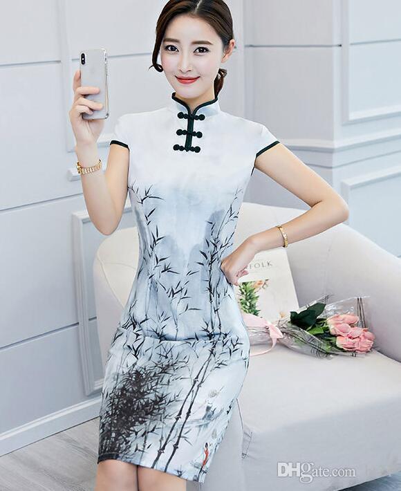 bb3cc7bb0fc 2018 винтажный китайский стиль Женская одежда средней длины печатных  модифицированные cheongsam платье темперамент леди платье старинные  небольшой cheongsam