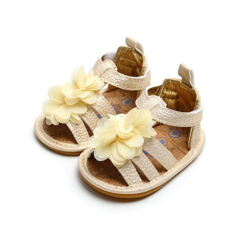 1d8b98555ca28 Princess Baby Girl Sandals Summer Baby Girl Shoes Leather Foral Sandals  Newborn Shoes Beach