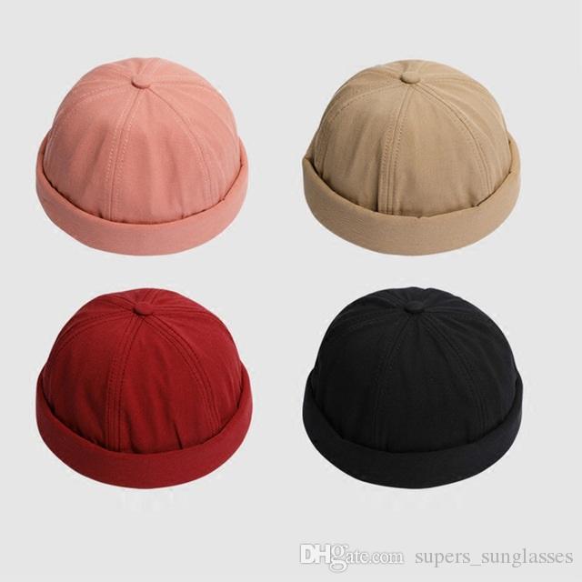 Compre Casual Estilo Chino Sombreros Redondos Hombres Mujeres Moda Fedora  Harajuku Skullies Gorros Color Sólido Gorra Ajustada A  14.68 Del ... 046b3b51d82