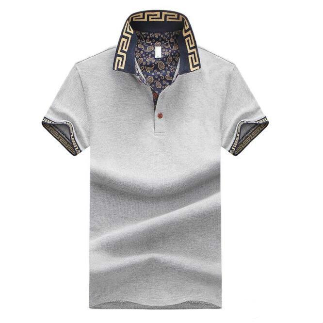 Compre 2019 Mens Designer De Marca De Luxo Camisas De Verão Casual Manga  Curta Trun Para Baixo Do Gola Tops Masculino T Shirt Tamanho Asiático  Atacado De ... 240026cb7559a
