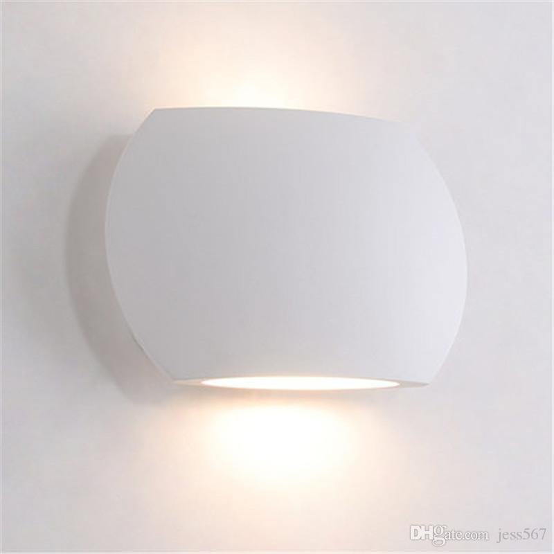 Nordic Style Simple Modern LED Wall Light Fixtures Bedroom Bedside Wall Lamp Creative Mini White Wall Sconce Home Lighting