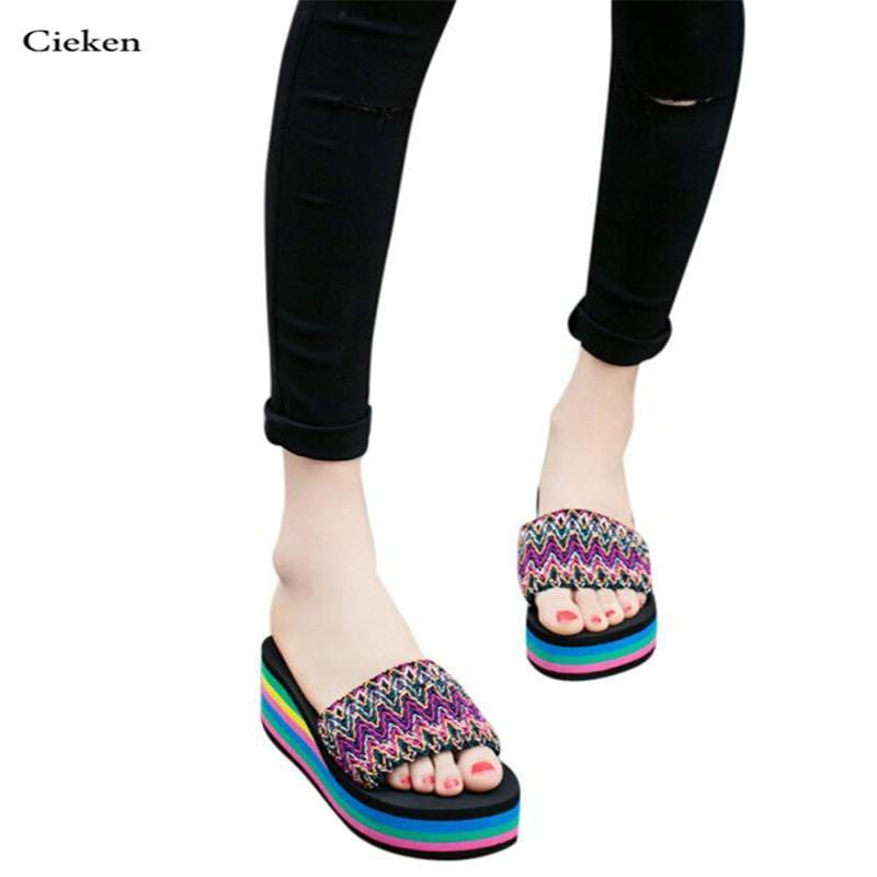 0721faf8ee6 Compre Zapatillas Calientes Para Mujer Estilo Nacional Sandalias De Verano  Chanclas Exteriores Zapatillas De Playa Zapatos De Mujer Nuevos Zapatos De  Moda ...