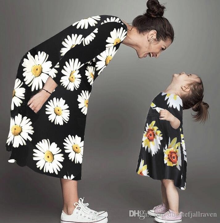 Ins calde di vendita modelle Madre Figlia Abito Autunno Inverno a manica lunga padre-figlio Outfit Dress Beach padre-figlio Dress Fashion Outlet