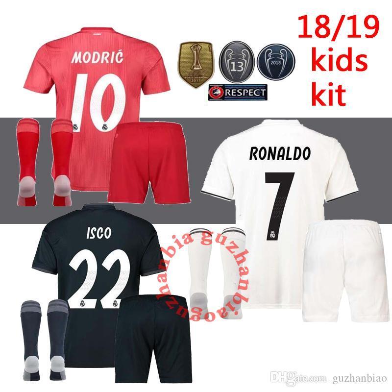 03b4a3c0d7222 Compre Nuevos Kits Para Niños + Calcetín 18 19 Camisetas De Fútbol Del Real  Madrid Niños Camiseta Infantil 2018 2019 HOME AWAY RONALDO Asensio BALE  ISCO ...