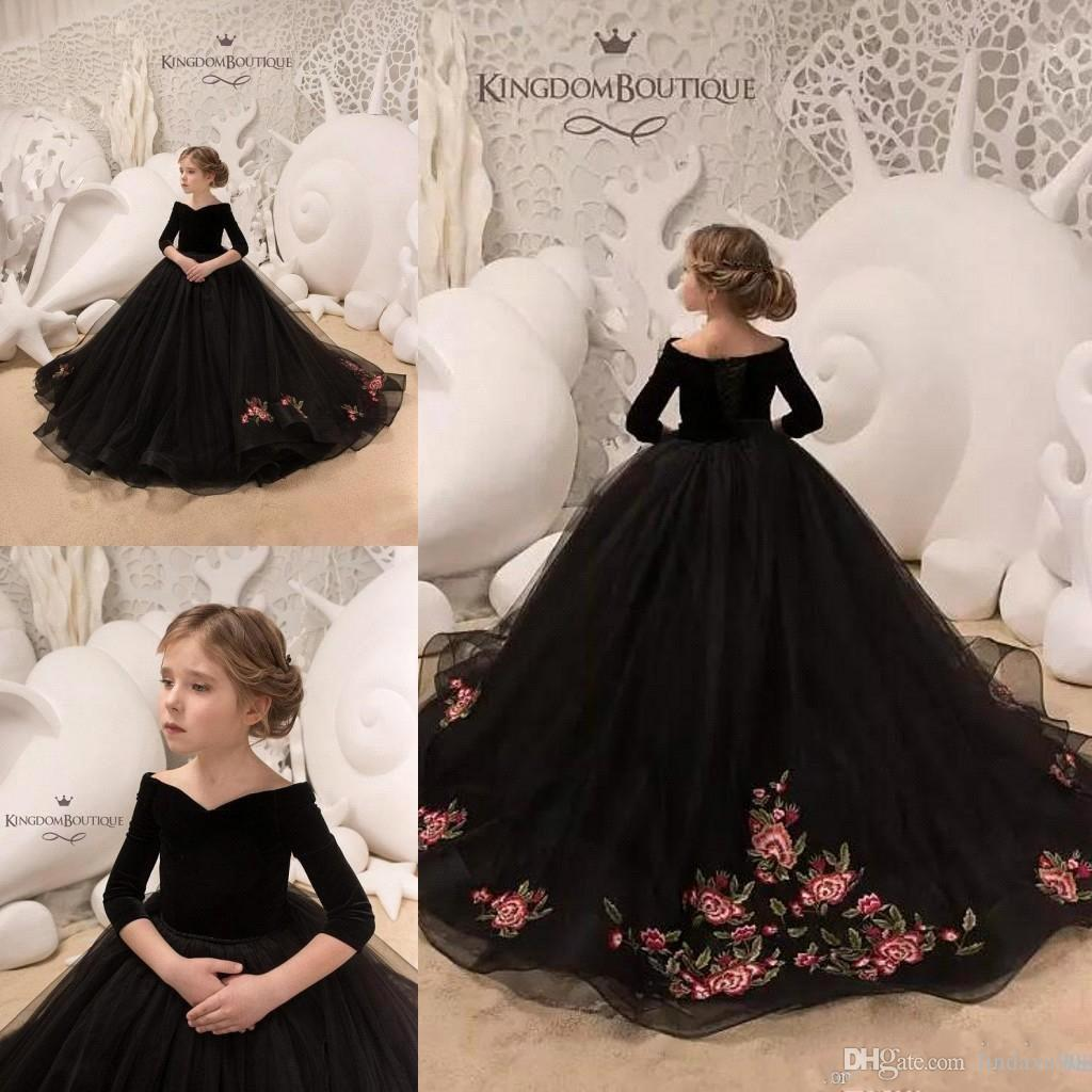a454ed3a33e2 2019 Chic Gothic Black Flower Girl Dresses Off The Shoulder Lace Applique  Ball Gown 3 4 Long Sleeve Girls Pageant Dress Custom Made Toddler Girls  Shoes ...