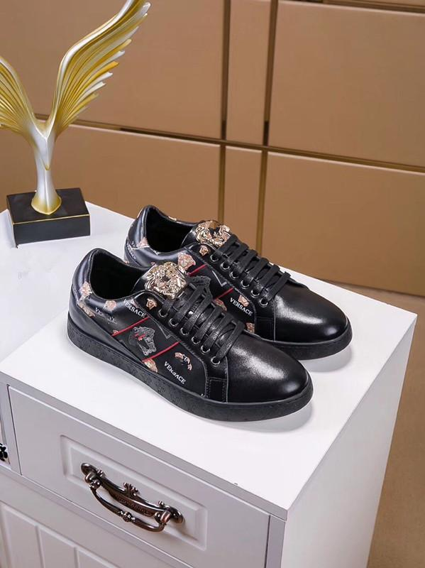 0d59629590 2019 new explosions versatile European station Medusa fashion men's first  layer leather casual low-top shoes