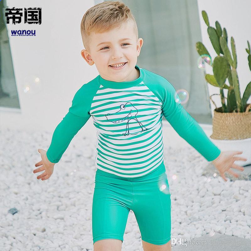 Compre Traje De Baño De Manga Larga Para Niños Rayado Protección UV De Secado  Rápido Traje De Baño Surf Para Niños Protector Solar UPF 50+ Traje De Baño  A ... 275f2ea883e