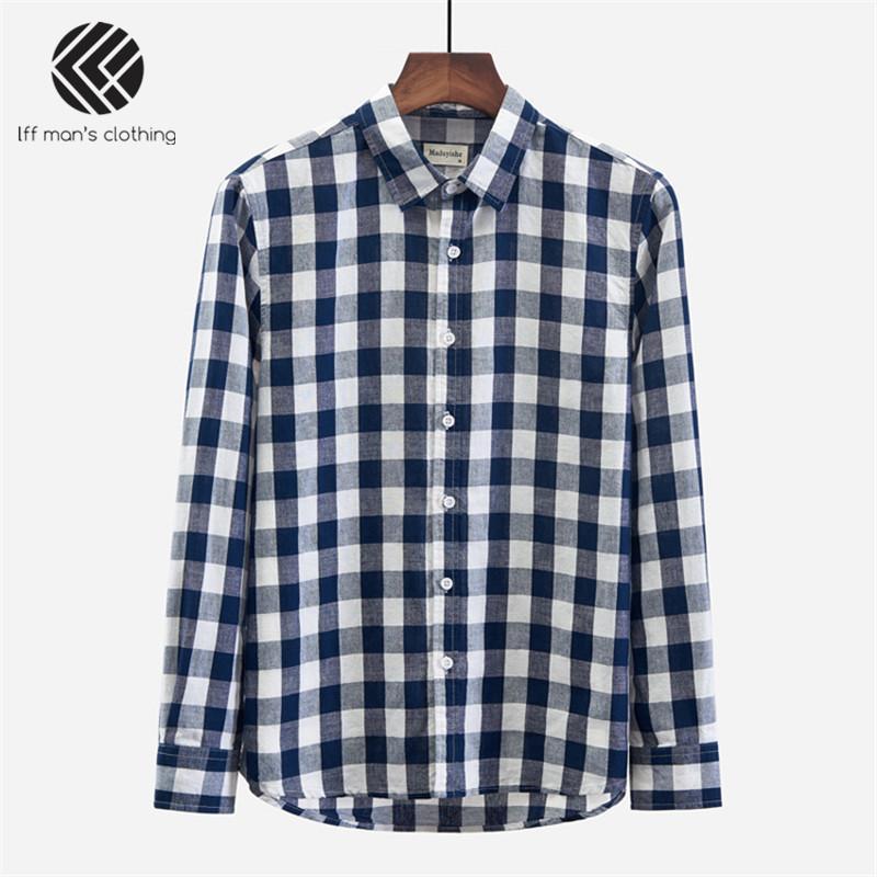 bc1cb702c Primavera Otoño Hombres Marca de Moda Corea Japón Estilo Vintage Azul  Blanco A cuadros Lino Camisa de manga larga Hombre Casual Slin Fit Camisas
